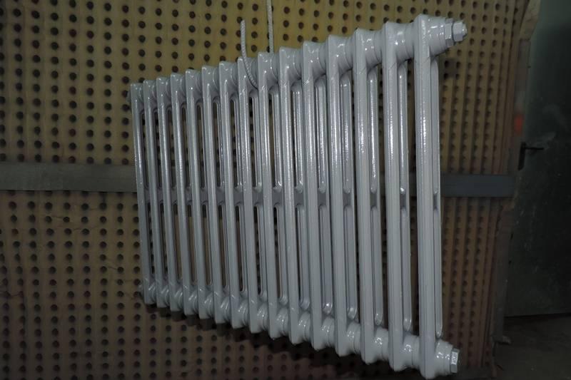 peinture de finition sur radiateur fonte sablage d capage et nettoyage haute pression paca. Black Bedroom Furniture Sets. Home Design Ideas